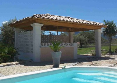 Pool house charpente bois 4 pentes